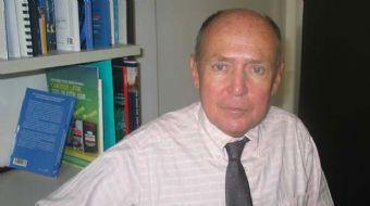 Fransa'nın tanınmış uluslararası ilişkiler profesörlerinden Philippe Moreau Defarges katıldığı telev