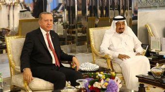 Cumhurbaşkanı Recep Tayyip Erdoğan, Körfez ülkelerini kapsayan ziyaretinin ilk durağı olan Cidde'ye