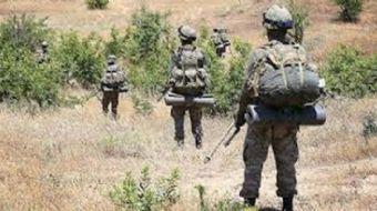 Hakkari'nin Şemdinli İlçesi'nde Irak sınırında bulunan Tekeli Köyü'ndeki üs bölgesine, PKK'lı teröri