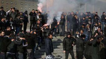 Fenerbahçe- Beşiktaş maçı için Beşiktaş taraftarları Kadıköy'e gelmeye başladı