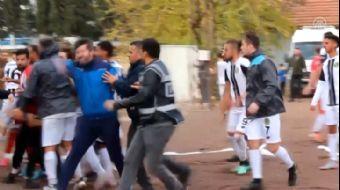 Amatör Futbol Maçında Son Dakika Golüyle Saha Karıştı