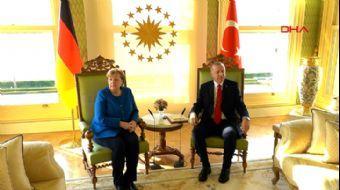 Başkan Erdoğan ve Almanya Başbakanı Merkel'in Kritik Görüşmesi Başladı
