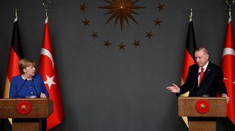 Başkan Erdoğan ve Merkel'in ortak basın toplantısına damga vuran an!