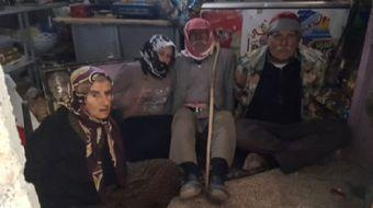 Afrin´de teröristlerden temizlenen Maskah köyündeki bir depoda, elleri bağlanarak çevresine mayın ev