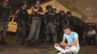 Kudüs'te, Mesicid-i Aksa'nın El-Esbat kapısı yakınlarında düzenlenen oturma eylemi sırasında İsrail
