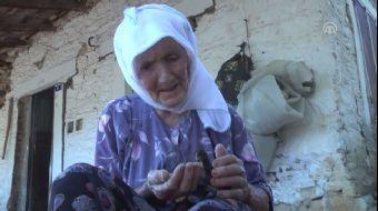 Ege Denizi'nde meydana gelen 6,5 büyüklüğündeki depremde, Bodrum'da yalnız yaşadığı evi yıkılan 87 y