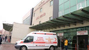 Kayseri'de öğretmenleri taşıyan aracın kaza yapması sonucunda 5 öğretmen yaralandı.