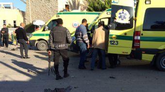 Mısır'ın Sina Yarımadası'nda bir camide ikindi namazı sırasında önce bombalı saldırı düzenlendi, ard