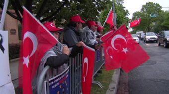 ABD'nin başkenti Washington'da Türkler ve Ermeniler, karşıt gösteri yaptı.  Ermeniler 1915 yılı ola