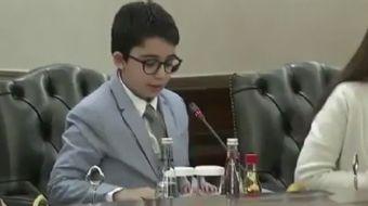 23 Nisan'da bakanlık koltuğuna oturan 'Çocuk Bakan'ın konuşmasındaki 'dinler arası diyalog' sözleri