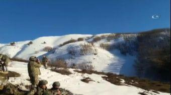 Bitlis'te meydana gelen patlamada 1 asker şehit olurken, 2 asker de yaralandı.