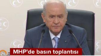 MHP lideri Bahçeli'den giyim tarzıyla ilgili açıklama: Biz kıyafetimize önem veririz