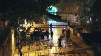 İsrail polisinin Mescid-i Aksa'nın kapılarına kurduğu elektronik arama dedektörlerini kaldırmasını d
