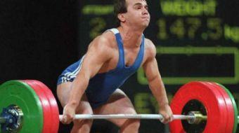 Rekorların adamı Naim Süleymanoğlu bitkisel hayata girdi. Avrupa, Dünya ve Olimpiyat Şampiyonu halte