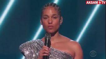 Grammy Ödülleri'nde Alicia Keys Kobe Bryant'ı Unutmadı