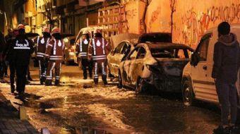 Şişli'de İki Otomobil Kundaklandı