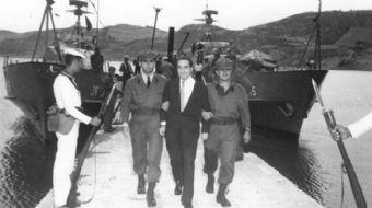 Türkiye Cumhuriyeti'nin ilk darbesi merhum Başbakan Menderes'e karşı 27 Mayıs 1960 tarihinde yapıldı
