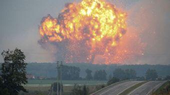 Ukrayna'nın Vynnytsya bölgesinde bir askeri mühimmat deposunda başlayan yangın ve yaşanan şiddetli p