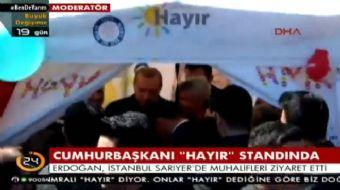 Cumhurbaşkanı Recep Tayyip Erdoğan, İstanbul Sarıyer'de CHP'nin 'hayır' çadırına uğradı.