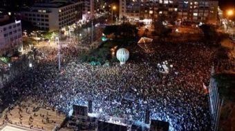 Tel Aviv'de binlerce İsrailli, Filistin ile çatışmaların sona erdirilmesi talebiyle sokağa çıktı. Gö