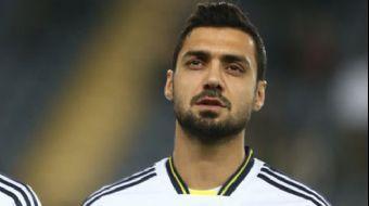 Bir dönem Fenerbahçe ve Medipol Başakşehir Spor Kulübü'nde futbol oynayan futbol oynayan Bekir İrteg