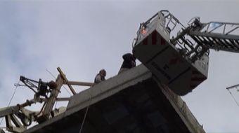 Konya'nın Beyşehir ilçesinde, iki katlı bir inşaatın havalandırma boşluğuna düşerek yaralanan işçi,