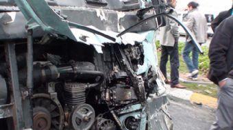 Başkentte bir dolmuşun karıştığı kazada çok sayıda yolcu yaralandı. Bölgeye ambulans ve itfaiye ekip