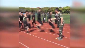 Çin ordusundan ip atlayarak yapılan görülmemiş eğitim şovu...