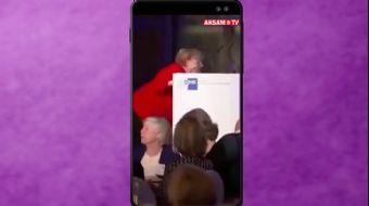 Merkel Kürsüye Çıkarken Yere Düştü #AkşamStory