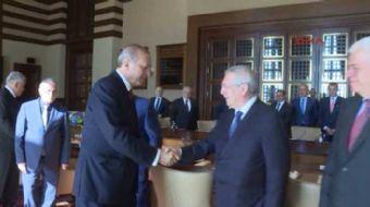 Cumhurba�kan� Recep Tayyip Erdo�an, Kul�pler Birli�i Vakf� heyetini Ankara Be�tepe'de bulunan Cumhur