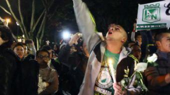 Kolombiya'daki uçak kazası Brezilya 1. Futbol Ligi ekiplerinden Chapecoense takımının taraftarları,