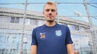 Bu sezon yaptığı transferlerle yeniden güçlü bir kadro kuran Başakşehir, Mert Günok transferini açık