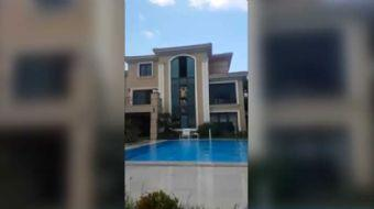 D�nya �ampiyonu motosiklet�i Kenan Sofuo�lu, villas�n�n 3. kat penceresinden havuza atlay�nca hastan