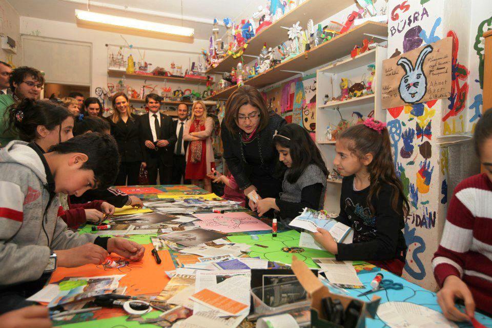 Fatma Şahin'den Tarlabaşı'na ziyaret
