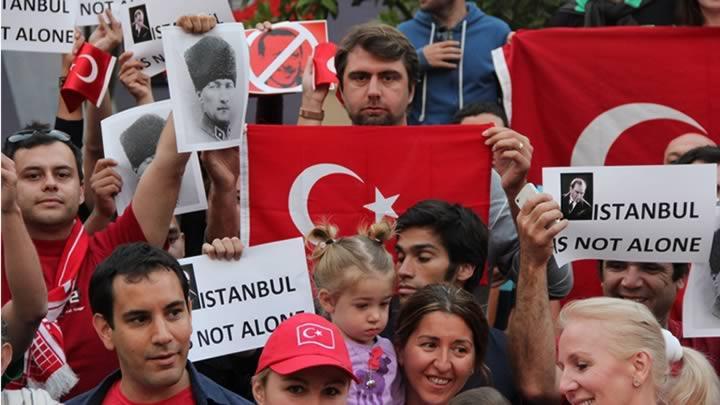 Gezi Parkı eylemine Mehmet Okur desteği