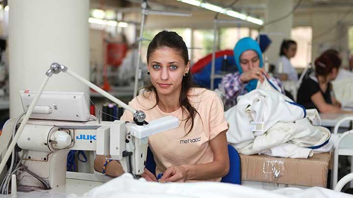 Engelliler üretiyor Avrupalılar giyiyor