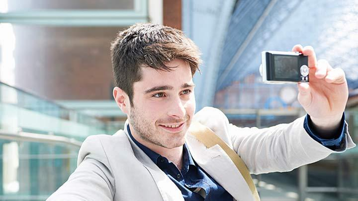 Fazla selfie çeken erkeklerde psikopatça eğilimler olabilir