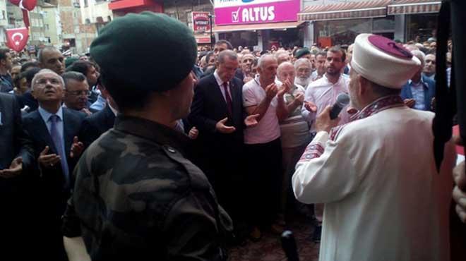 Cumhurbaşkanı Erdoğan'ın Cenazede Gözyaşları Sel oldu, hüngür hüngür ağladı...