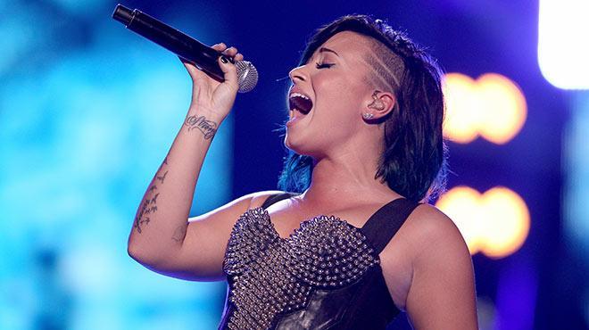 G�ndemden d��meyen kad�n: Demi Lovato