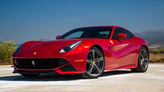 Ferrari son virajda