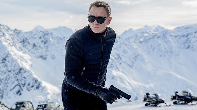 �� k�tada soluk solu�a Bond maceras�: Spectre