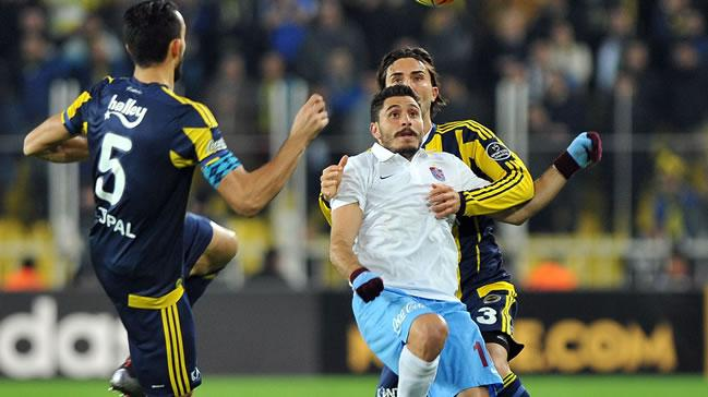 F.Bah�e Trabzon ma��nda saha bir anda kar��t�!