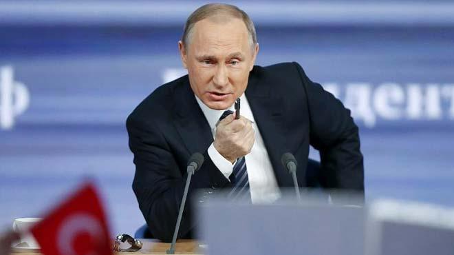 Putin%E2%80%99in+toplant%C4%B1s%C4%B1nda+dikkat+%C3%A7eken+T%C3%BCrk+bayra%C4%9F%C4%B1