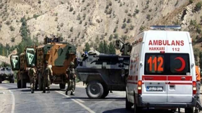 Van'da zırhlı araca bombalı saldırı: Ölen ya da yaralanan olmadı