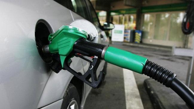 Benzine indirim geldi! ��te yeni fiyatlar