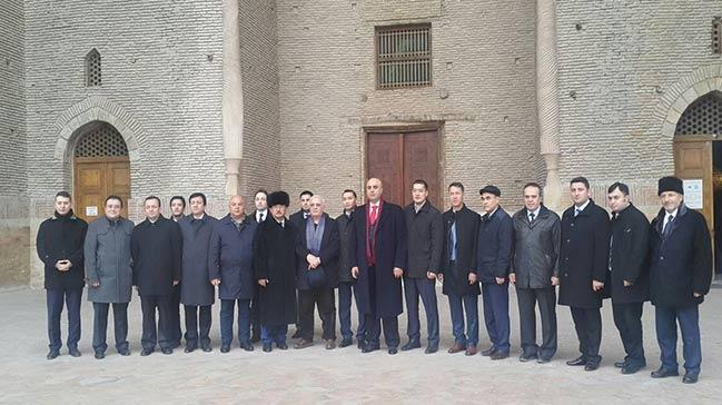 Ekonomi Bakan� Mustafa Elita� Ahmet Yesevi �niversitesini ziyaret etti