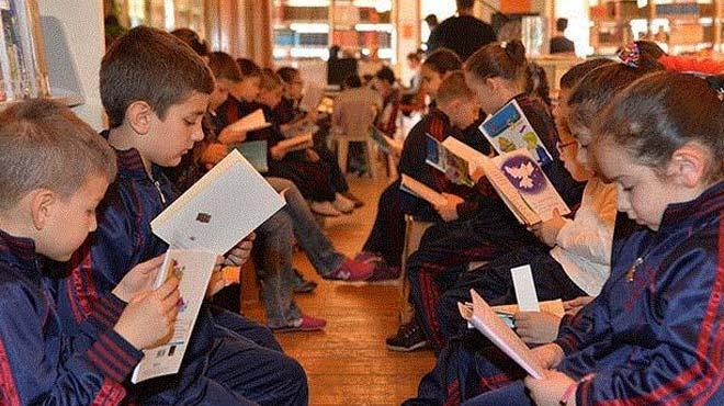 81+%C4%B0lde+Kitap+Okuyoruz+etkinli%C4%9Fine+devam%21;+Beyo%C4%9Flu+kitap+okuyor+