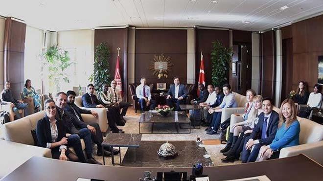 Yabanc%C4%B1+diplomat+ve+akademisyenlerden+Ba%C5%9Fkan+Demircan%E2%80%99a+ziyaret