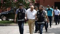 Adana'da ila� operasyonu