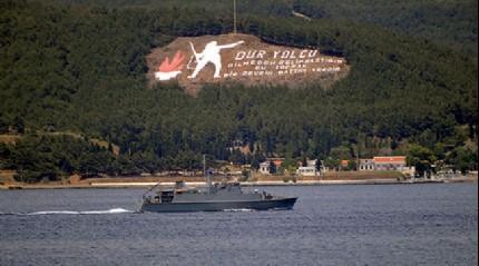 Rus sava� gemisi bo�azdan ge�ti